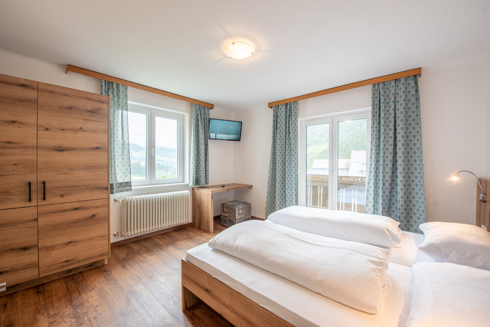EXTRA bookable double room